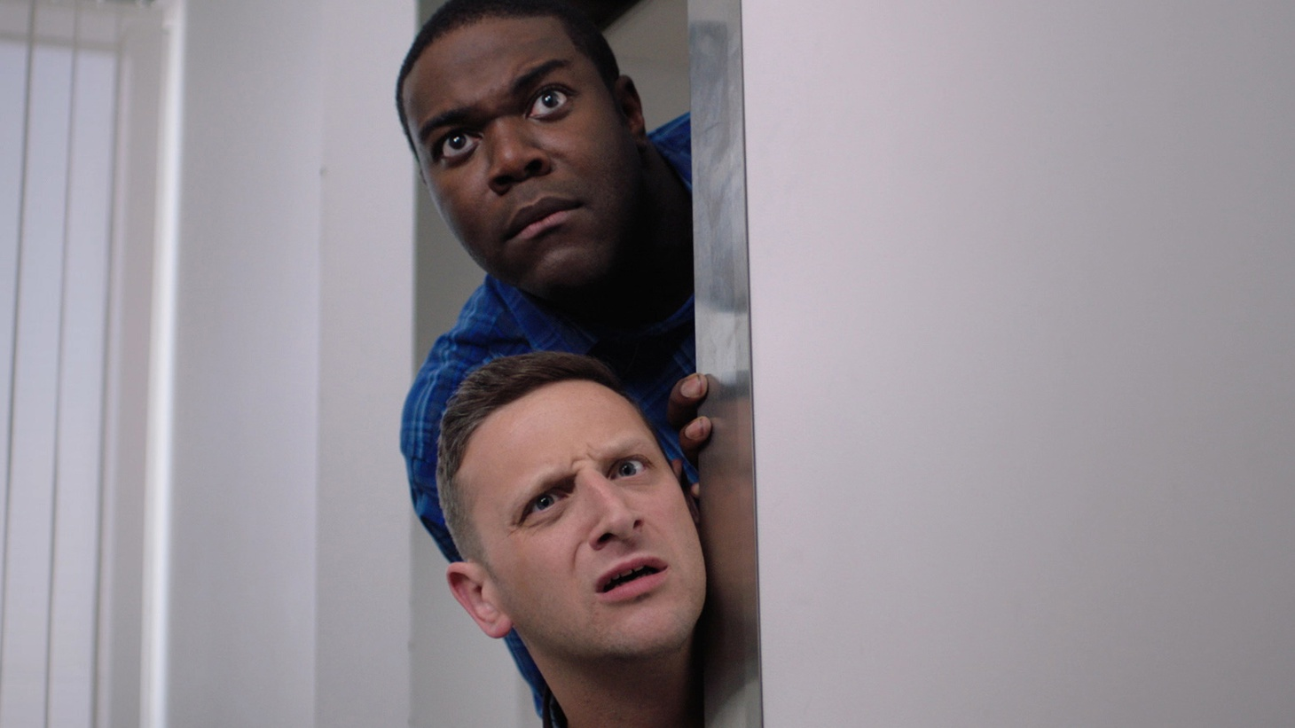 Comedians Sam Richardson and Tim Robinson join Elvis to discuss holding strong to their roots in Comedy Central's Detroiters.