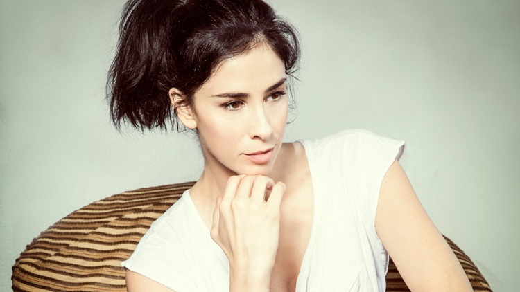 Sarah Silverman discusses the darkness that both drama and comedy share and pulling from that for her new film I Smile Back.