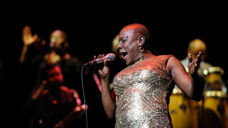 Soul singer Sharon Jones and director Barbara Kopple discuss cancer and the healing power of soul music in Miss Sharon Jones!