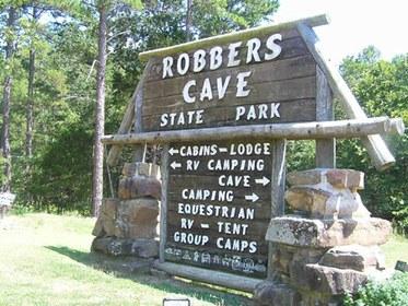 Robbers_CaveStatePark.jpg