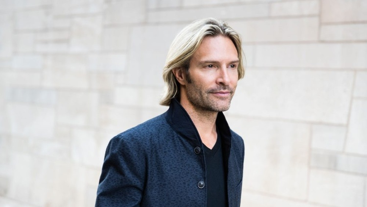 "Eric Whitacre's Transcendental ""The Sacred Veil"""