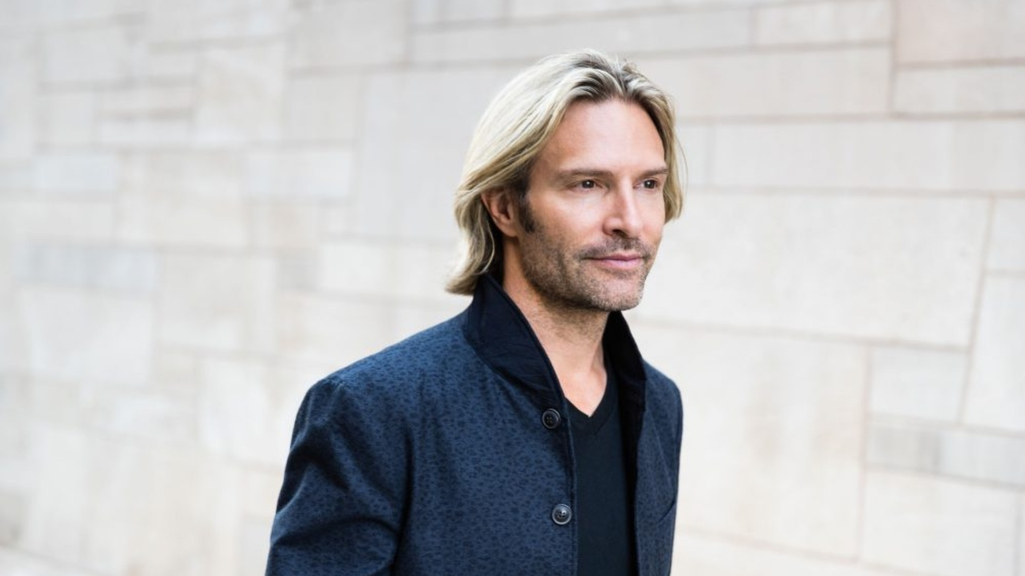 Composer/conductor Eric Whitacre