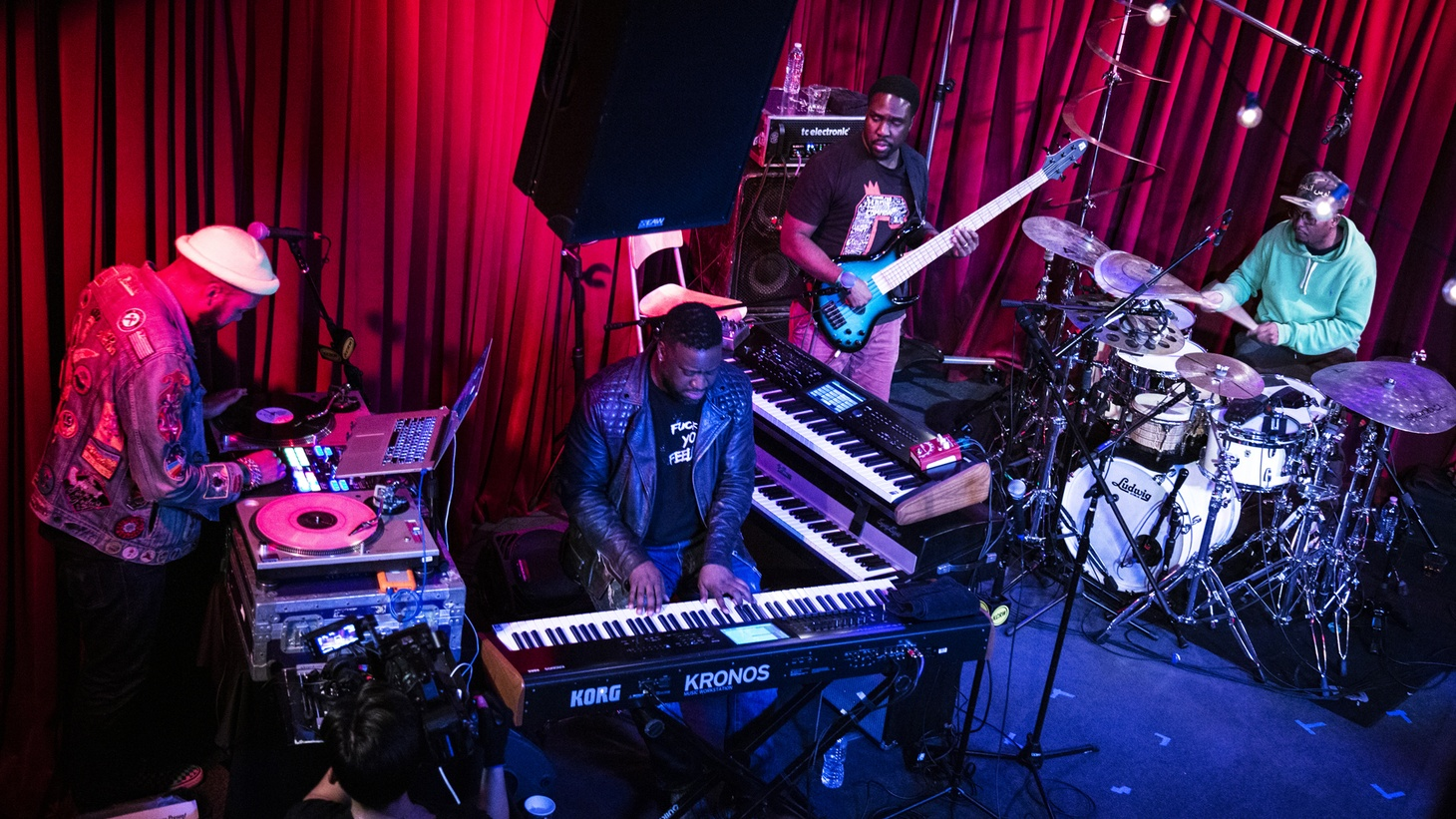 Robert Glasper (and band) live at Apogee Studios