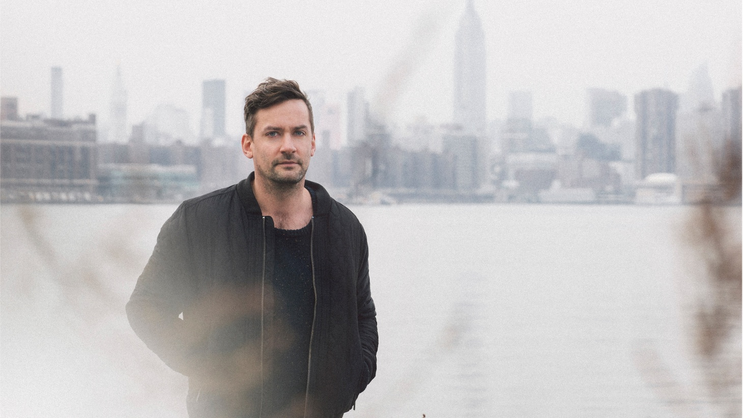 Fresh from celebrating a recent live album and a killer set at this year's KCRW Masquerade Halloween party, UK DJ & producer Simon Green, aka Bonobo, has long been a station favorite.