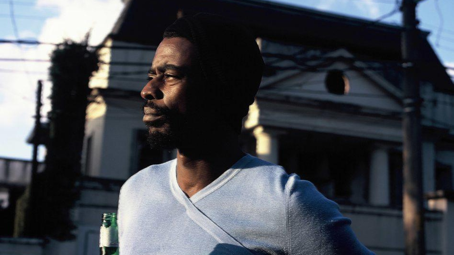 Brazilian singer/songwriter Seu Jorge probably first came to the attention of US citizens through his acting work.  He appeared in the Oscar-nominated Brazilian film, City of God in 2002 and then in Wes Anderson's The Life Aquatic with Steve Zissou two years later.