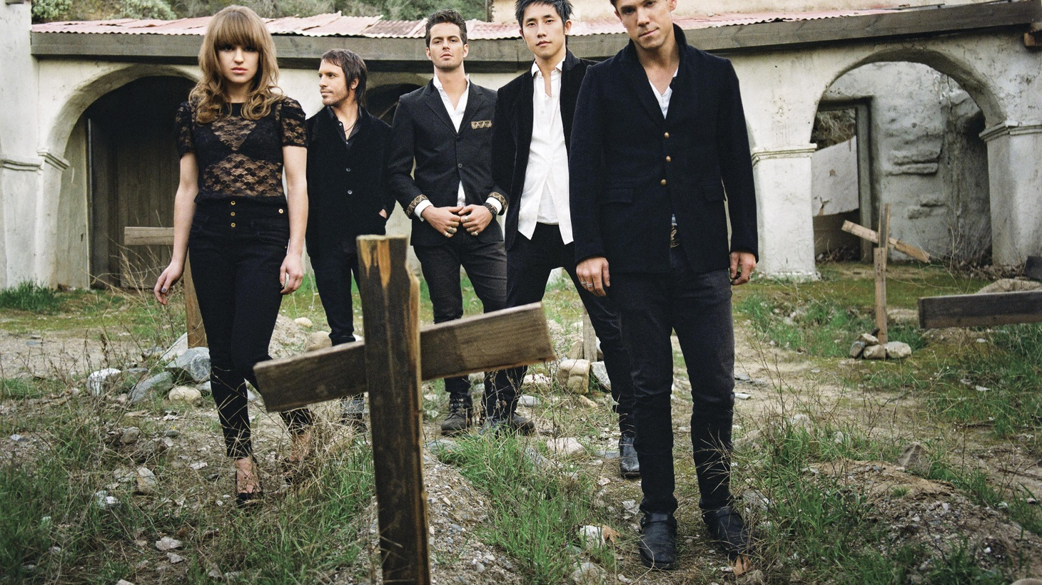 LA, home to many terrific bands, seems to be having a particular renaissance. One of the young bands leading the charge is Los Feliz-based The Airborne Toxic Event.