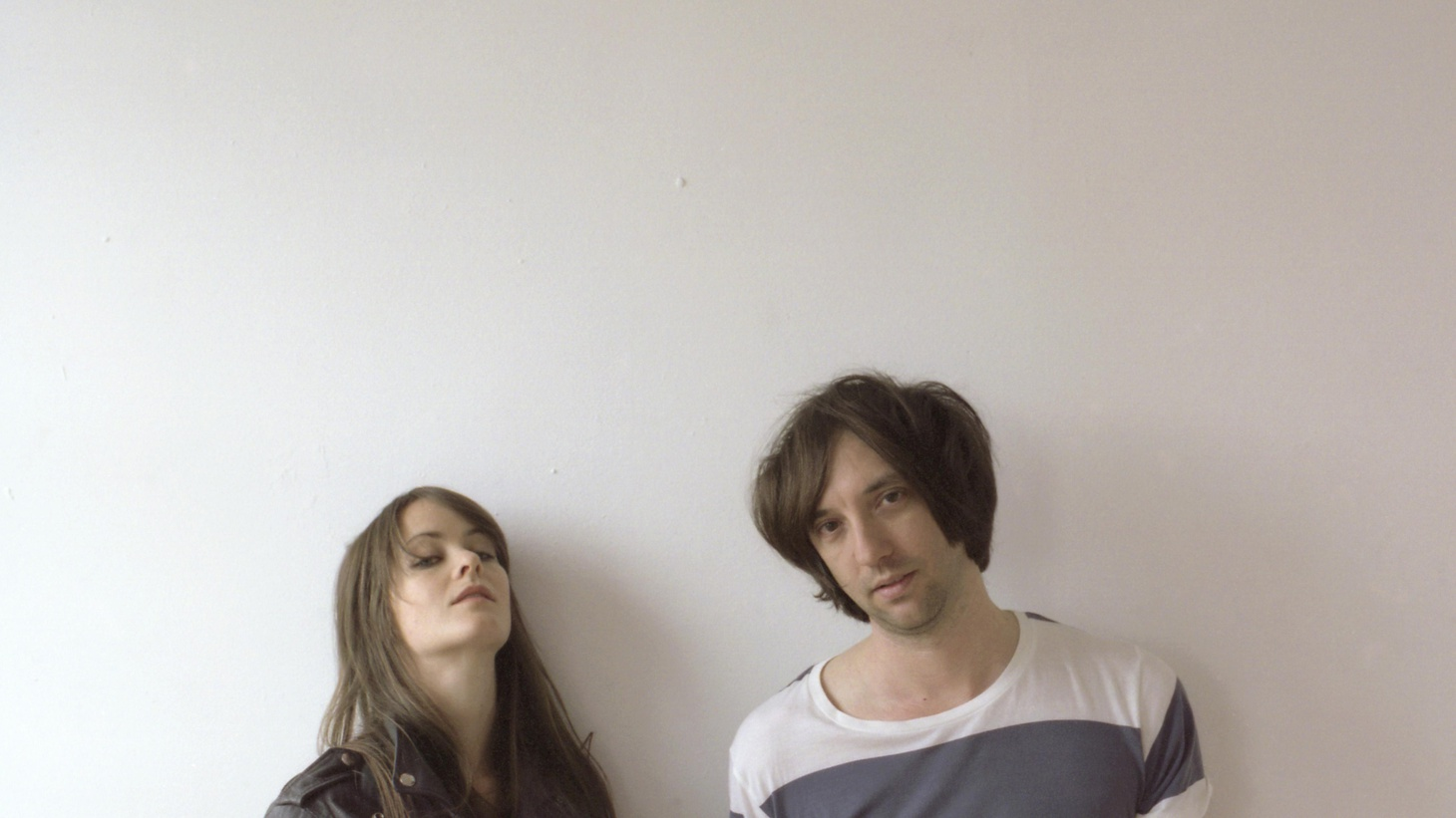 2010 has been a banner year for attractive young boy/girl duos. 2010 has also been an interesting year in that many new bands are being overt about their influences, while still creating something fresh and exciting. The Hundred in the Hands fits easily into both of these categories.
