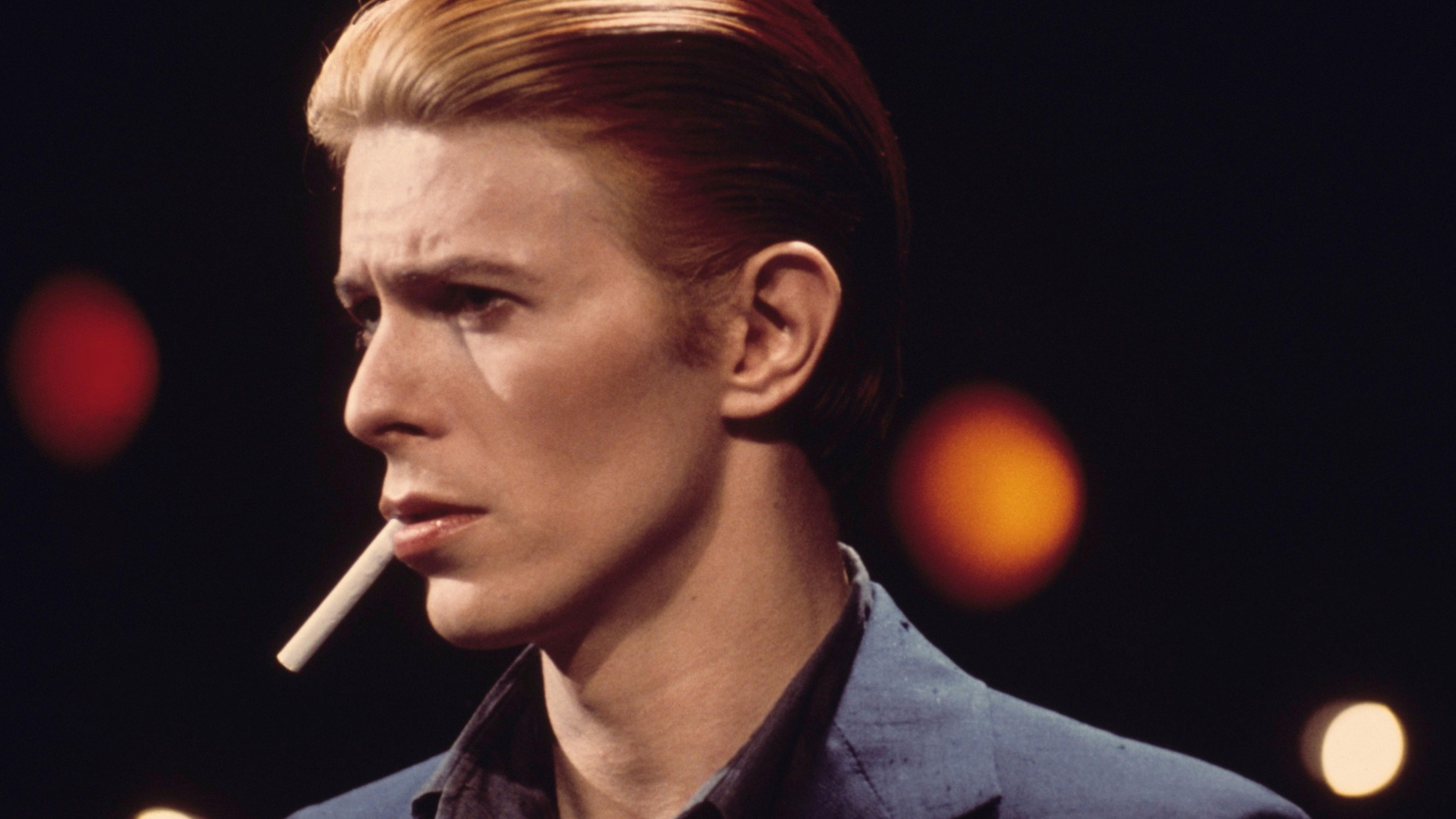 Today, my show was purely Bowie inspired – be it collaborations, artists he influenced, covers or purely songs in tribute.