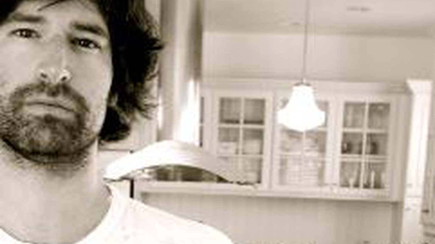 Pete Yorn performs songs from his new CD Back and Fourth on