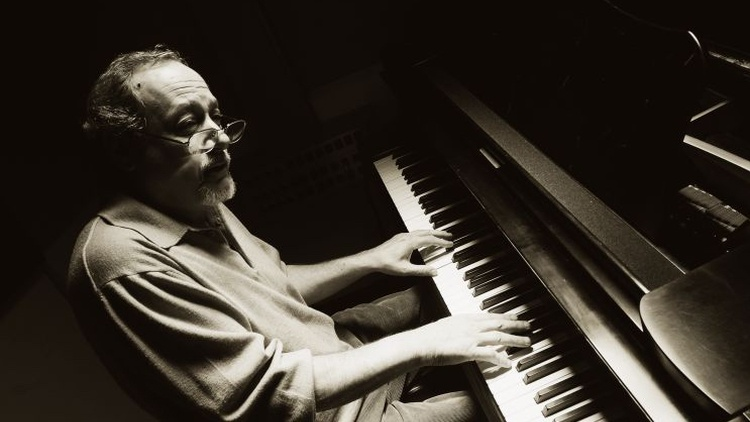 "An elegant and exquisite sense of musicality accompanies long-time jazz DJ Bo Leibowitz, where he ""plays sides"" in the wee small hours of Saturday morning."