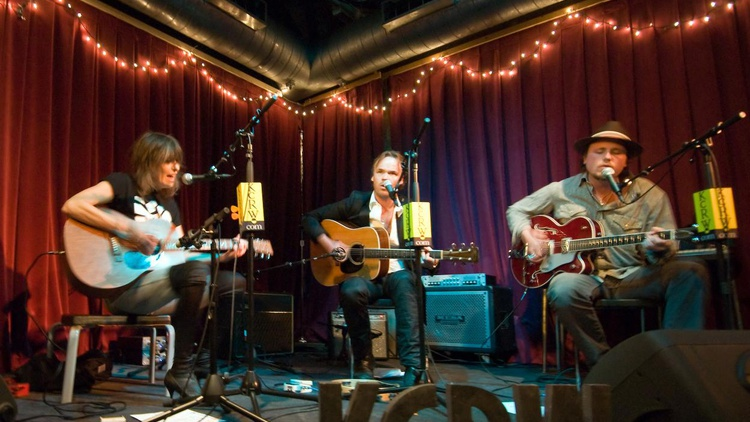 Chris Douridas hosted an incredible session for KCRW's Apogee Sessions with JP, Chrissie and the Fairground Boys.
