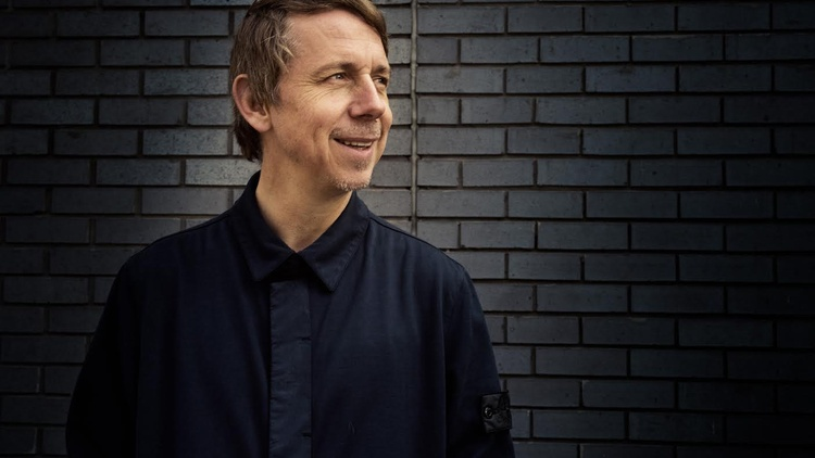 World-renowned DJ/producer/label owner Gilles Peterson joins Garth Trinidad for a Guest DJ set