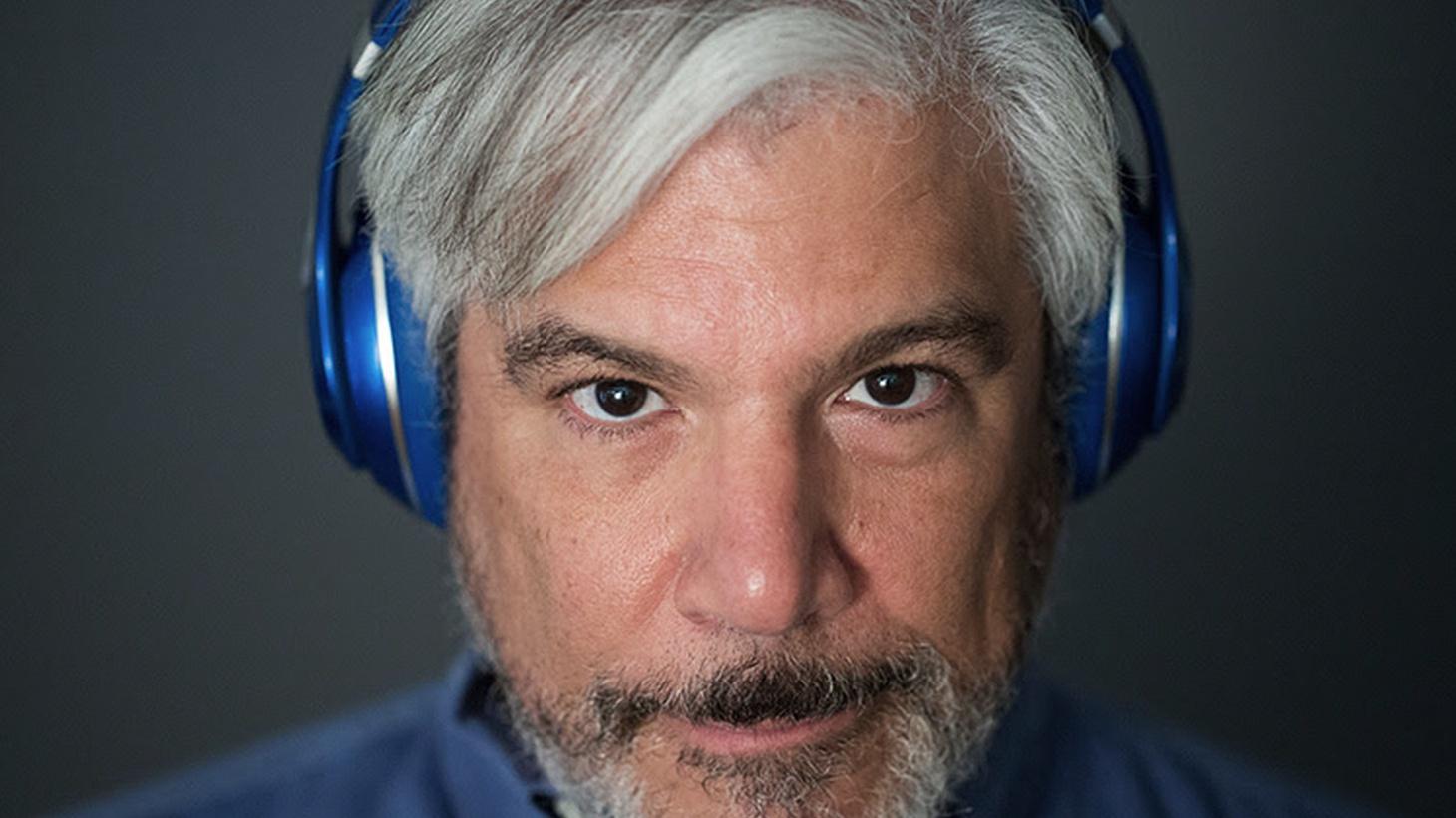 Los Angeles Times journalist Geoff Boucher guest DJ's from 11pm-Midnight.