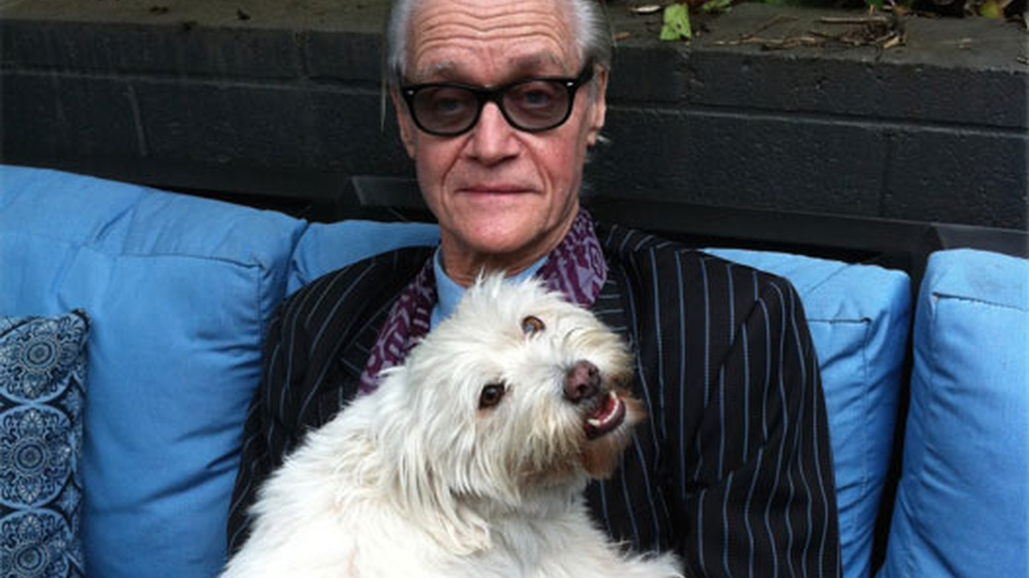 Gary Calamar's special tribute on the notorious L.A. music legend Kim Fowley who passed away on January 15, 2015. With special guests: Music Journalist Harvey Kubernik and Musician/producer Ben Vaughn. Tune in to hear about the good, the bad and the ugly of the late, great Kim Fowley.