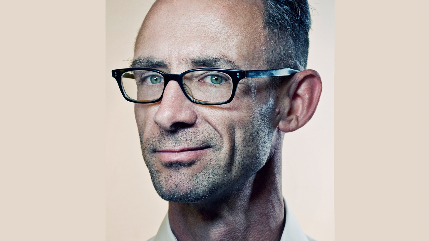 Chuck Palahniuk is the author of over a dozen books including the award-winning novel Fight Club, which was also made into a feature film. Not surprisingly, he tends toward storytellers like Don McLean and Gordon Lightfoot in his music picks.