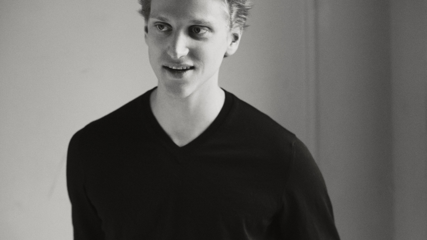 In his Guest DJ set, dancer David Hallberg chooses artists that have helped him bring his own modern energy into works of classic ballet.