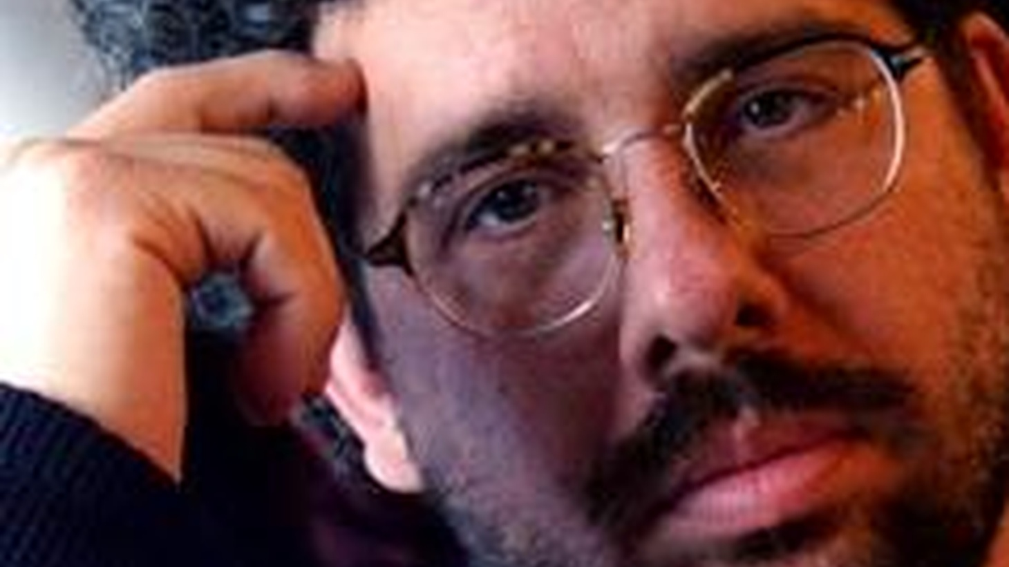 Award-winning playwright, screenwriter and director Neil LaBute thrills DJ Gary Calamar with tales of songs that have influenced his controversial writing...