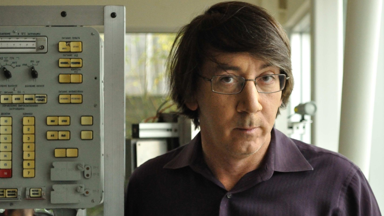 Video game designer Will Wright changed the entire landscape of gaming with his hit game Sim City, and follow up The Sims and Spore. It's clear he looks at the world with a unique point of view and that is reflected in his song choices – whether contemplating how robots reflect humanity, his favorite Bond theme song or the most beautiful concept album ever made.