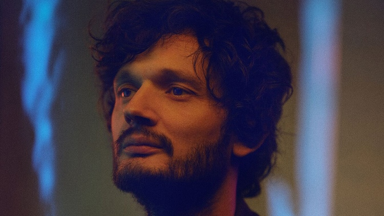 Sascha Ring, better known as the accomplished DJ-producer performing as Apparat, returns with a forthcoming album titled     LP5  , his first solo release since 2013's   Krieg und…
