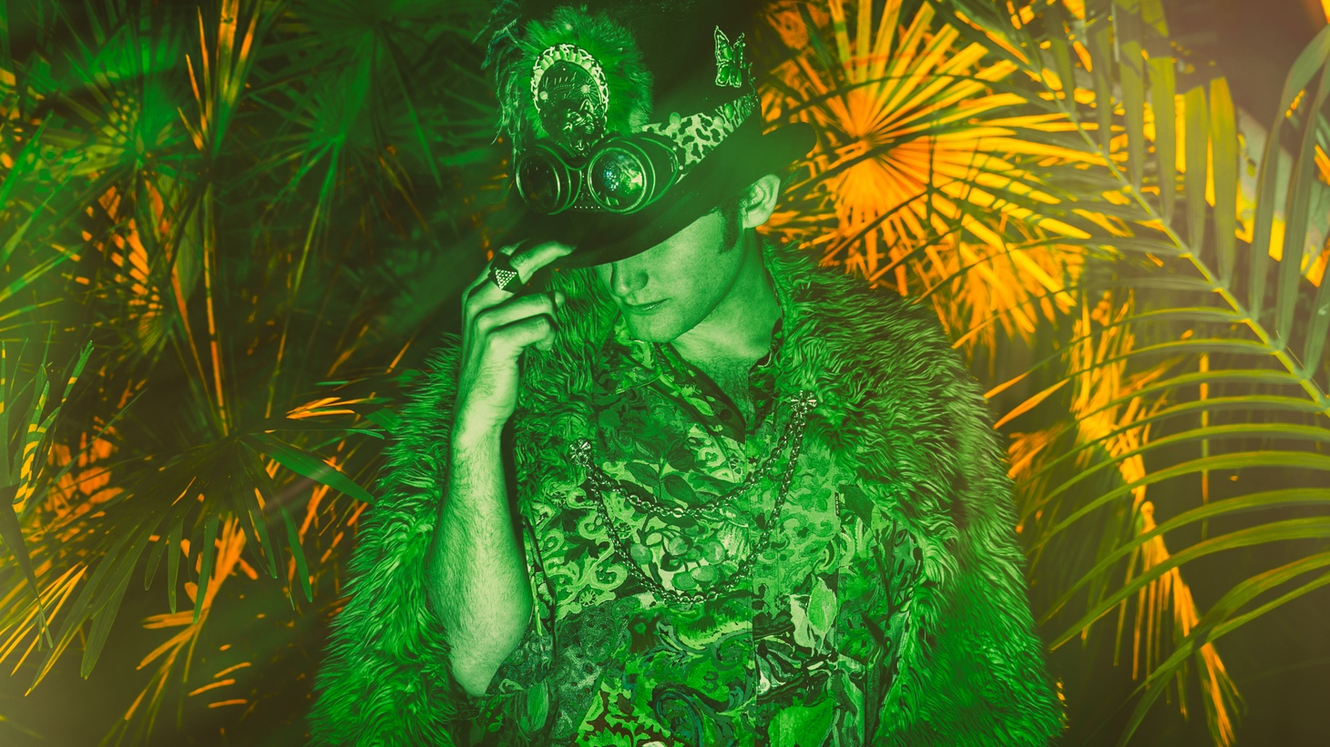 San Diego native Mikey Lion has a dedication to a deep and trippy house and techno experience that is all about the groove. He shares an exclusive mix featuring artists in their scene.