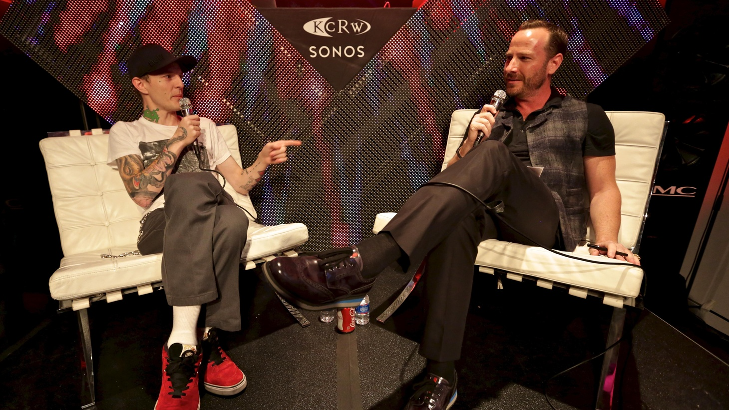 Last Fall at a special Sonos studios session in Hollywood for a small group of fans, deadmau5 joined me for an interview and performance.