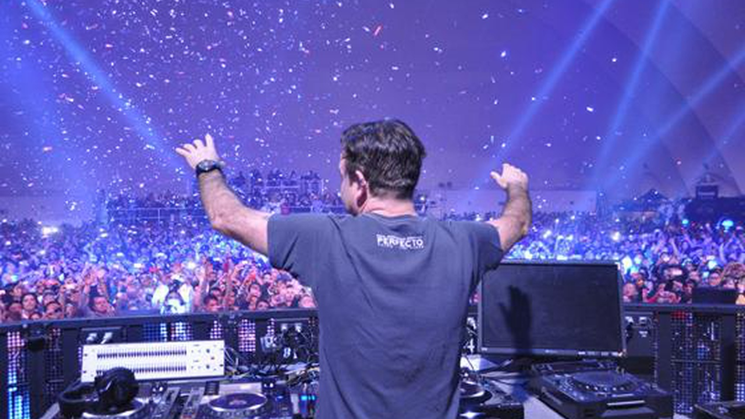 Our first Electrospective guest is veteran DJ and Producer Paul Oakenfold, who sat down with Jason to talk about his own background, the parallels between the dance music craze of the early '90s and today,