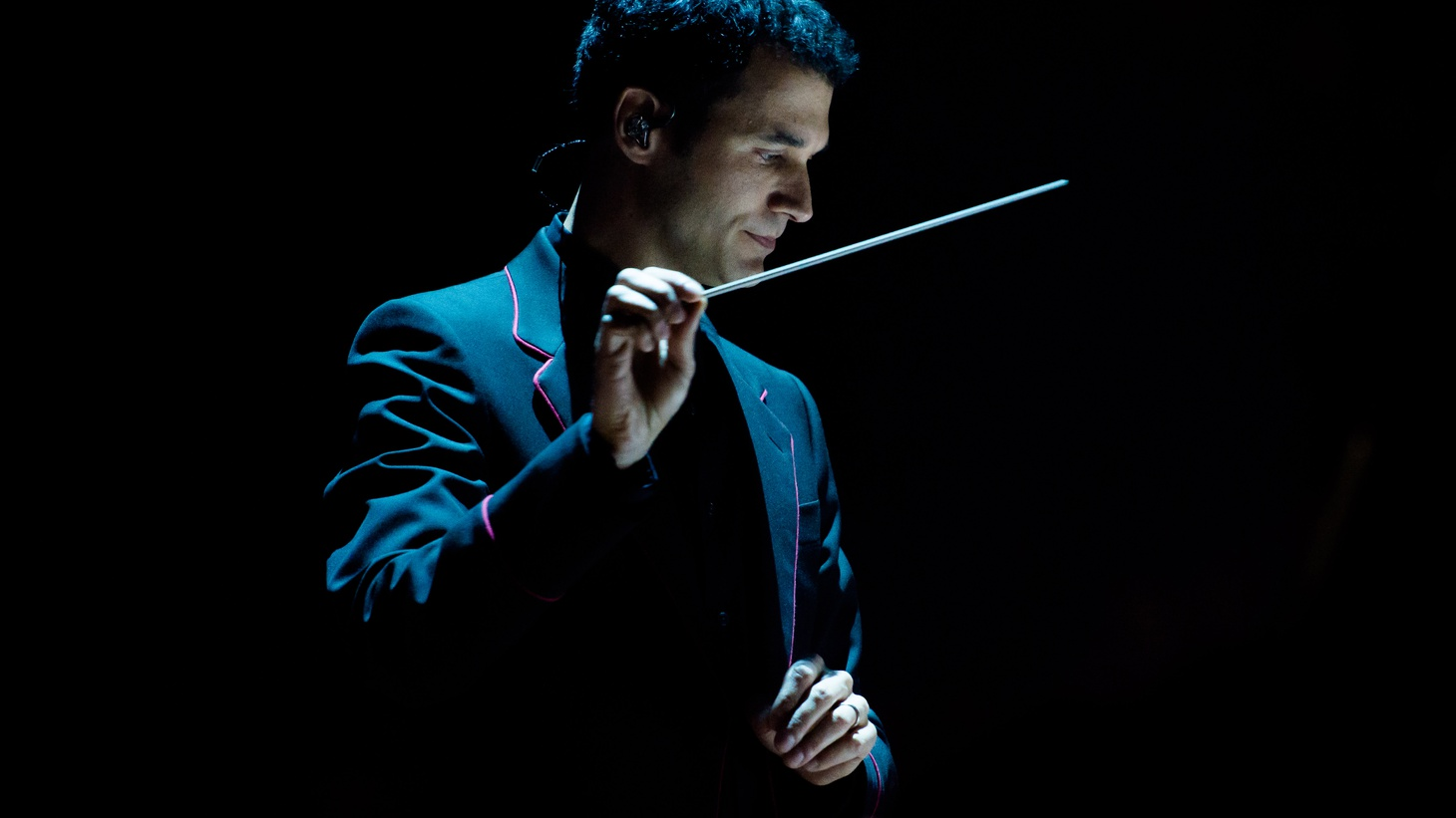 Game of Thrones composer Ramin Djawadi brings a small ensemble to our studio for a live performance.