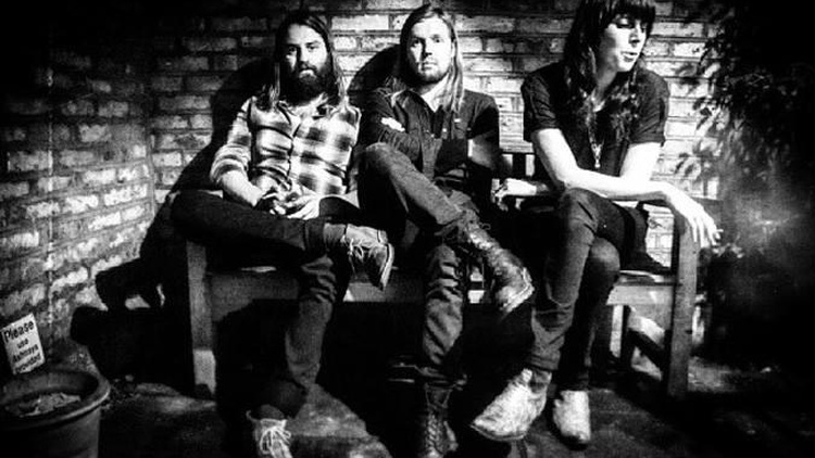 UK-based power trio Band of Skulls returned to our studios behind their third album, Himalayan.