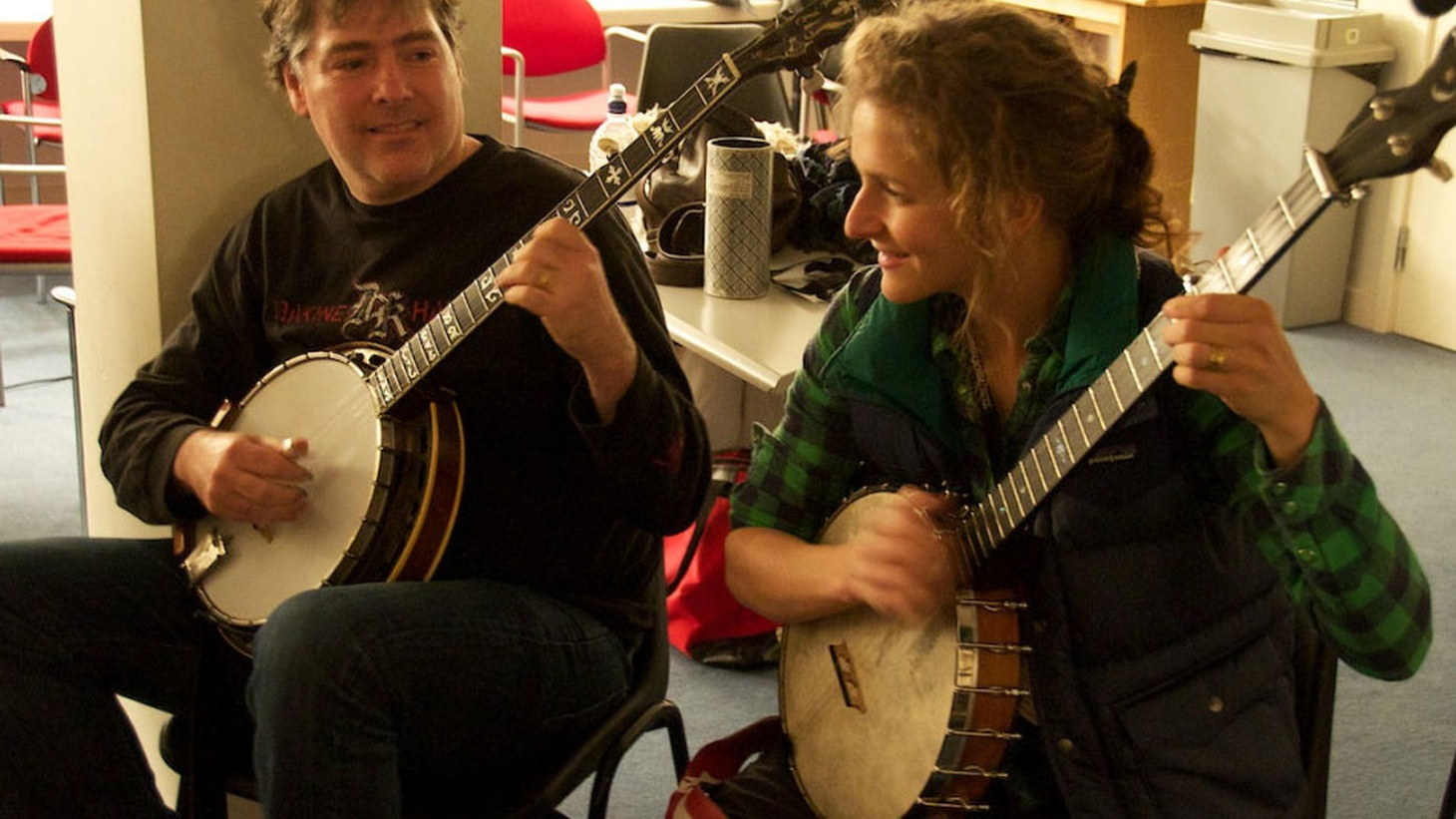 Married banjo wizards Béla Fleck and Abigail Washburn perform songs from their first album together.