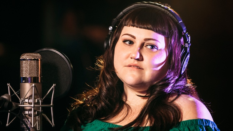Singer Beth Ditto, formerly of dance punk band The Gossip, joins us just days before the release of her debut full length solo album.
