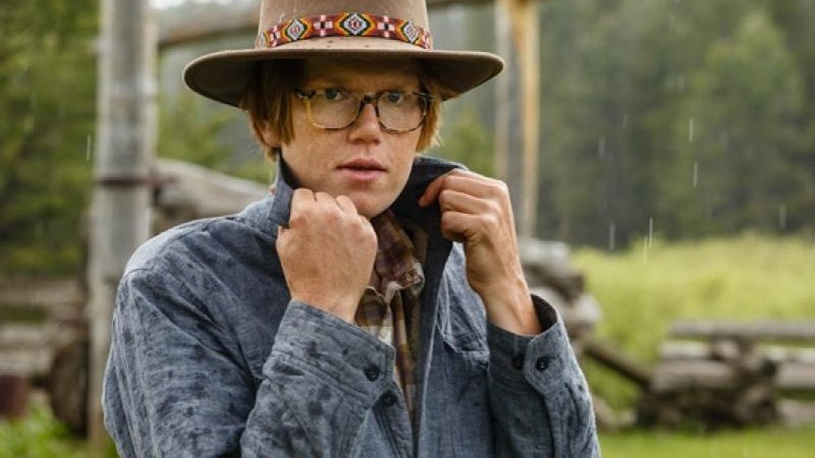 Brett Dennenis a local favorite thanks to his positive vibes and an incredible ear for perfect pop songcraft.