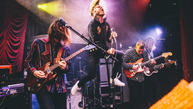 Kentucky rockers Cage the Elephant are now based in Nashville and turned to one of the city's most celebrated musical residents -- the Black Keys' Dan Auerbach – to produce their…