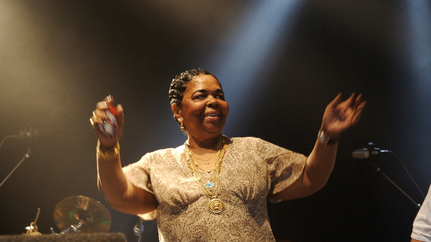 The most famous diva from Cape Verde, Cesaria Evora, visits our studios for a live performance.