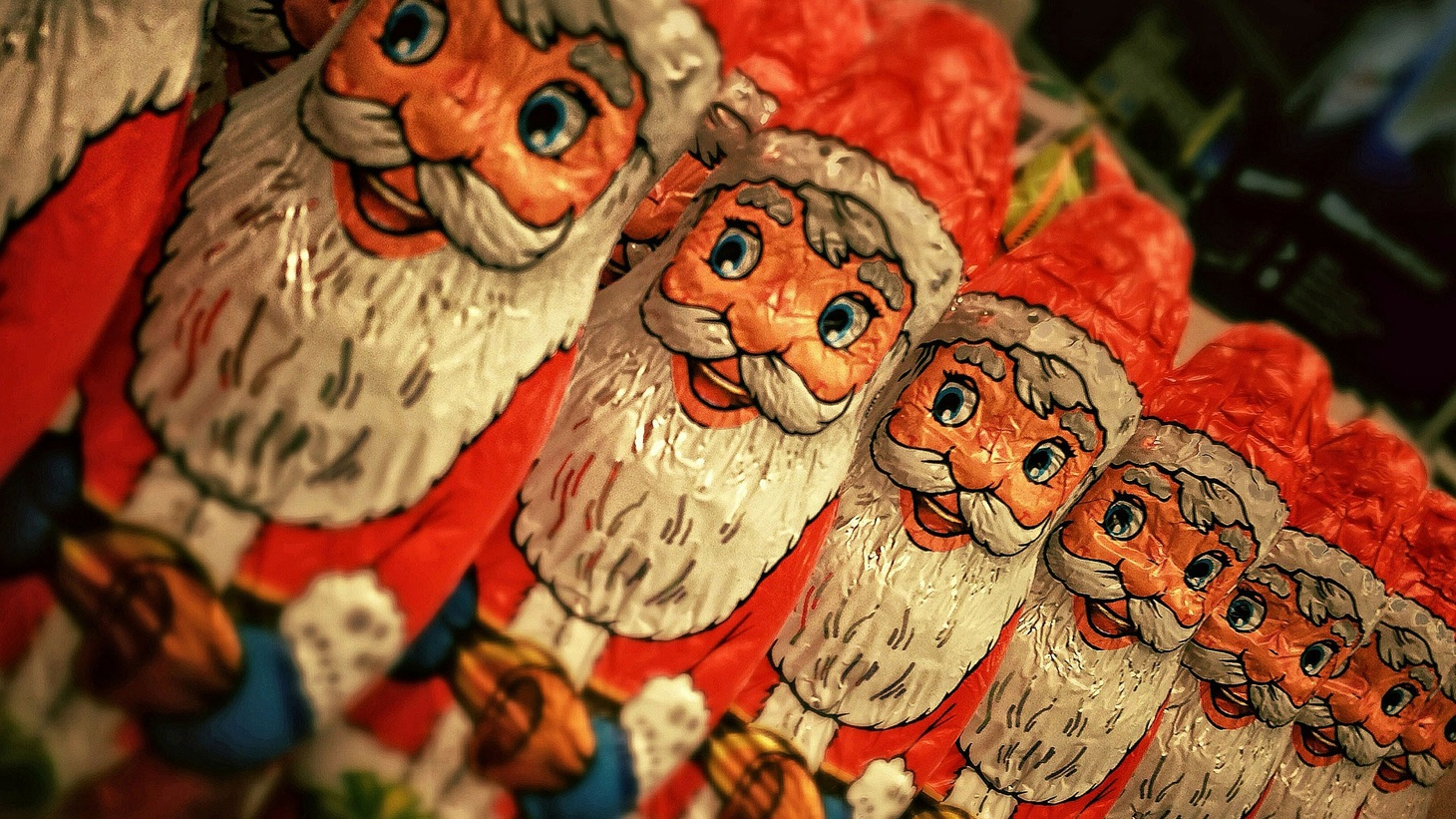 Tom Schnabel hosts his annual Christmas show, featuring music from the past and present, the sacred and the secular, and around the globe.