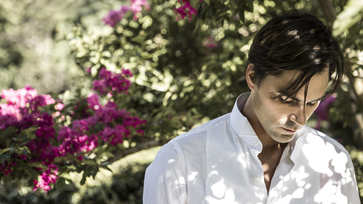 Argentine transplant Diego Garcia grew up stateside with a heavy dose of Latin music at home. He's released a captivating recording recalling romantic ballads of...