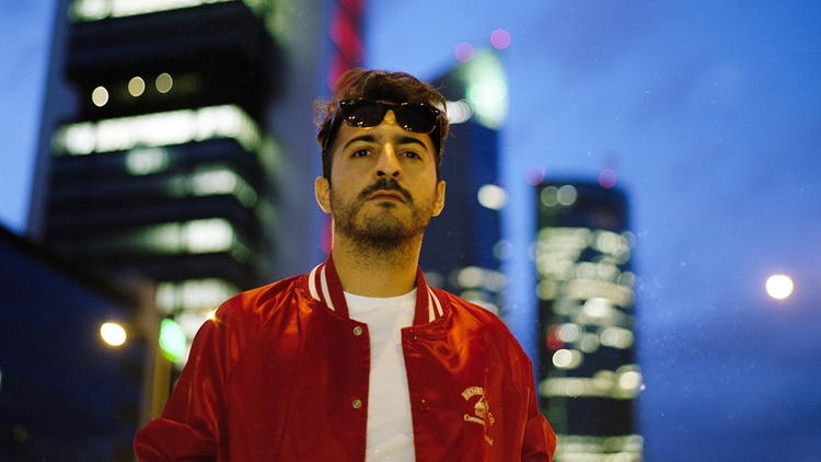 We've been waiting patiently for Spanish producer/musician El Guincho (aka Pablo Díaz-Reixa) to finally make it out to Los Angeles and pay us a visit.