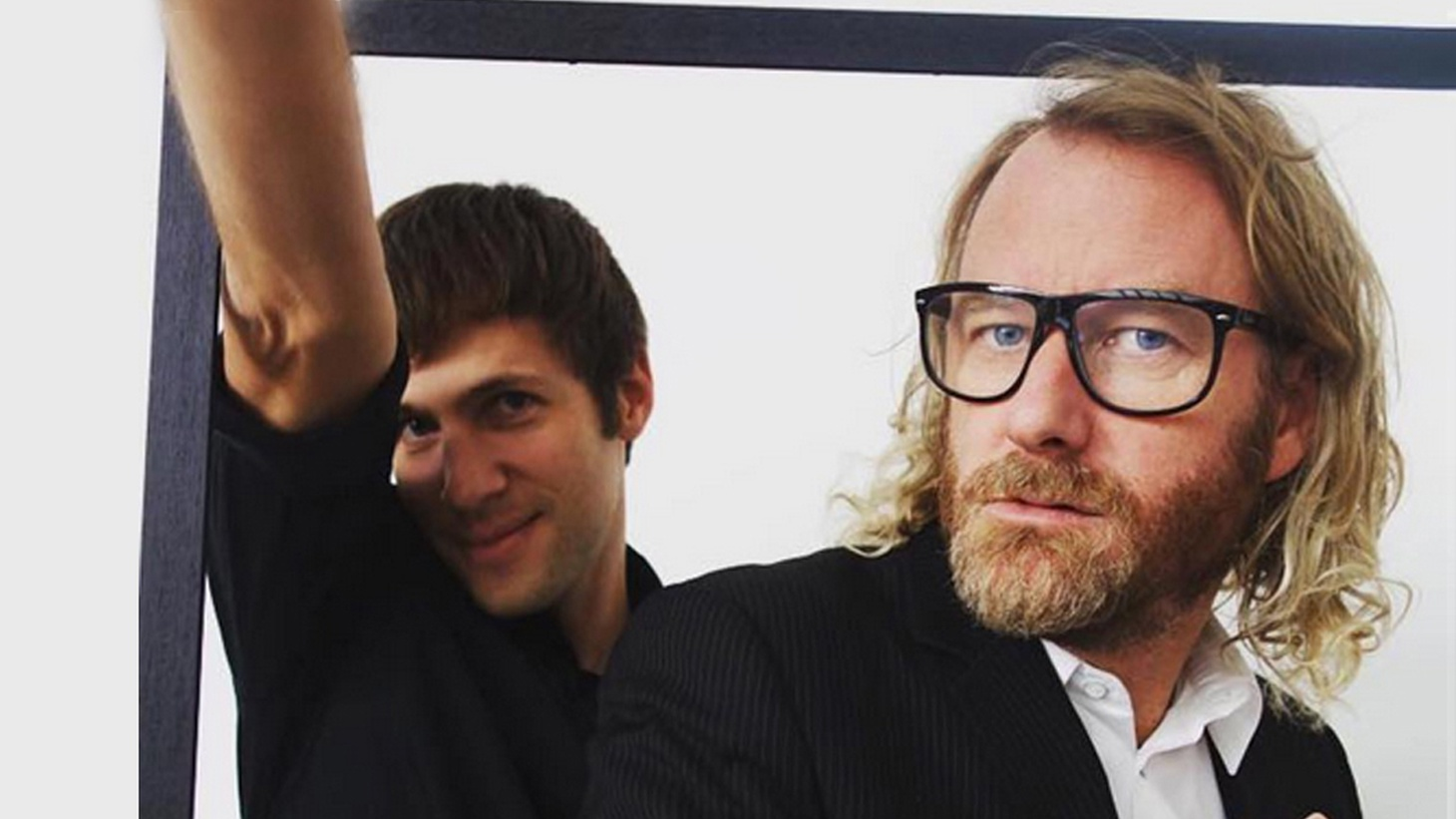 EL VY is a new project from The National front-man Matt Berninger and Brent Knopf (Ramona Falls/ Menomena). The collaboration has been in the works for over a decade, and allows the baritone singer to reveal a new side of himself with more autobiographical songwriting.