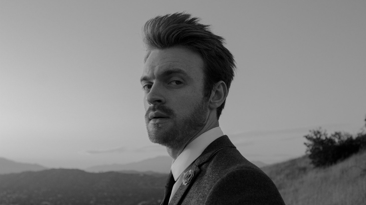 Finneas is perhaps best known for his work with his sister Billie Eilish. The singer, songwriter and record producer recently released his debut album Blood Harmony and will join us for a stripped down performance.