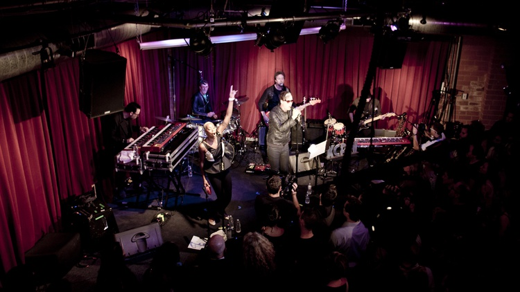 Soulful pop collective Fitz and The Tantrums performed a slew of songs from their new album in front of a live audience at KCRW's Apogee Sessions recently.
