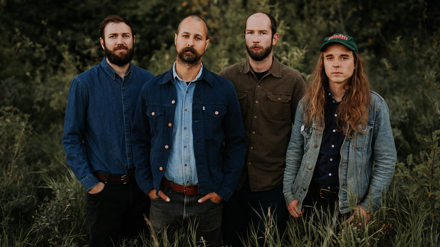 Singer-songwriter Andy Shauf co-founded Foxwarren with three friends from college in the late 2000s. Their self-titled album draws some of its influence from The Band and Paul Simon and is buoyed by Andy's delicate vocals and spacious sounds.