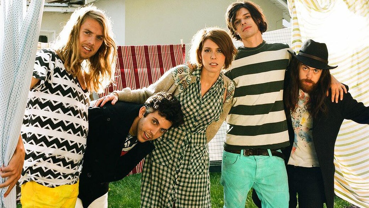 The five globe-trotting members of Grouplove met on the isle of Crete and had so much fun making music together that they pooled their funds and recorded their debut here in Los…