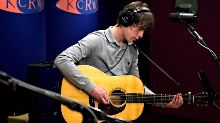 Young UK wunderkind Jake Bugg has wowed us with his smart songcraft and guitar prowess.
