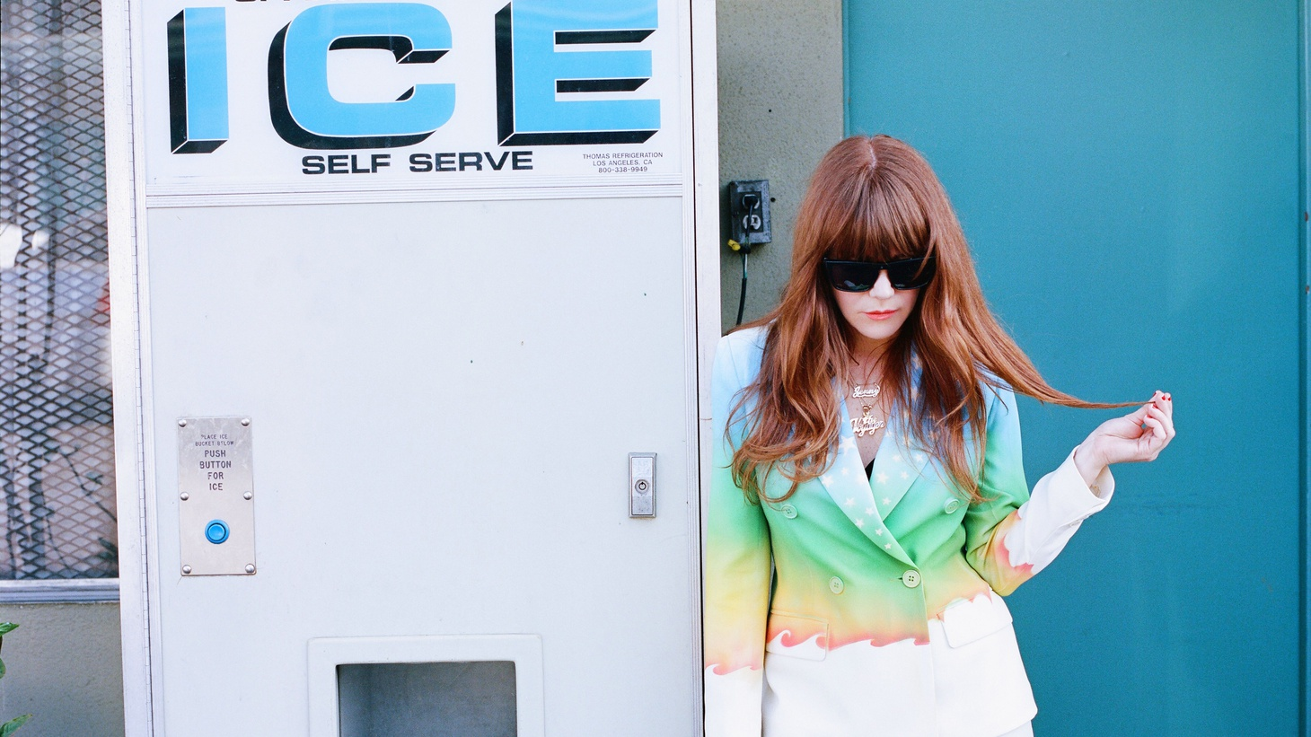 LA darling Jenny Lewis performed a live set for us at Apogee Studio while she was touring behind her third solo album, The Voyager, her most personal album yet.