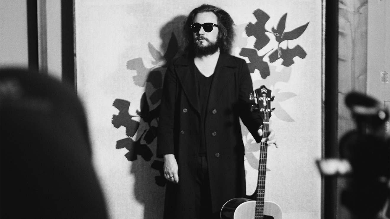 My Morning Jacket frontman and guitar hero Jim James released his fuzz-drenched new solo album Uniform Distortion to rave reviews and brings a full band to our studio.