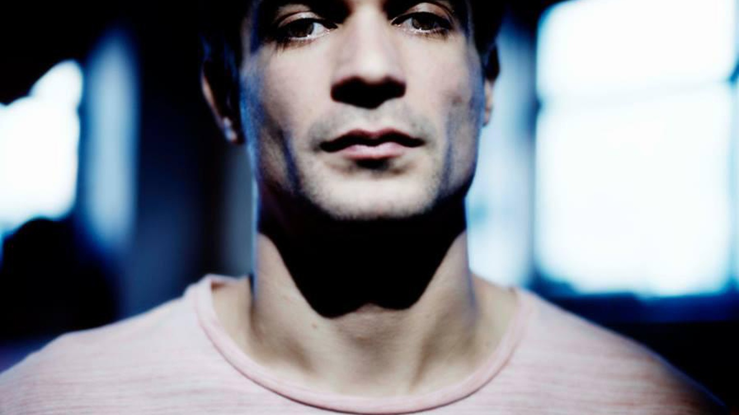 At 10am UK producer and composer Jon Hopkins stops by for a quick chat about his collaboration with Coldplay and his forays into film scoring and composition.