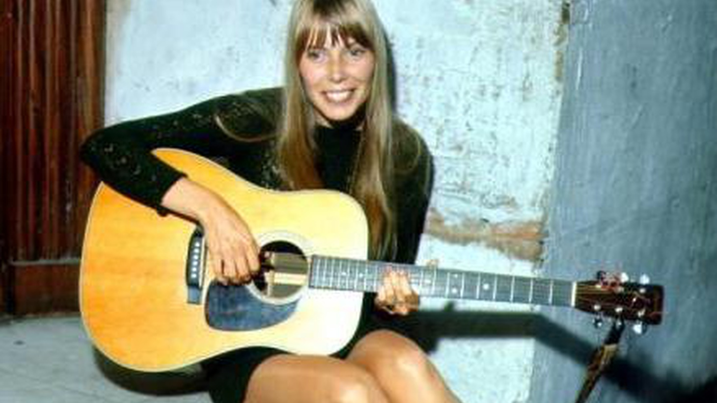 Joni Mitchell's first appearance on Morning Becomes Eclectic. Hear this intimate acoustic performance, along with a candid yet playful interview.