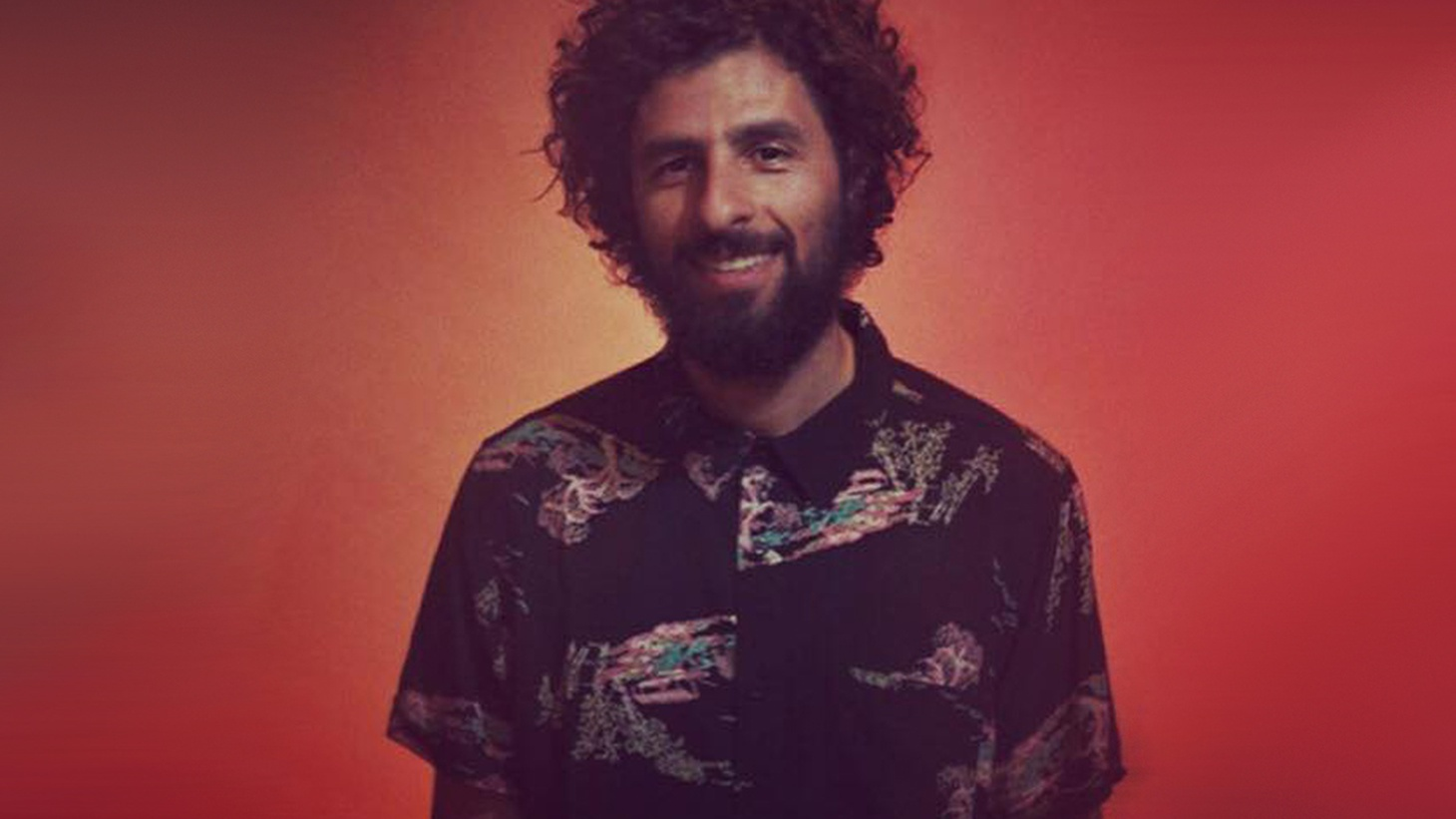 José González keeps himself busy. The past few years have been focused on the band project Junip, with frequent collaborations with Zero 7, and contributions to other projects such as The Secret Life of Walter Mitty soundtrack and the Red Hot tribute to Arthur Russell. Here he performs music from his 2015 album, Vestiges & Claws.