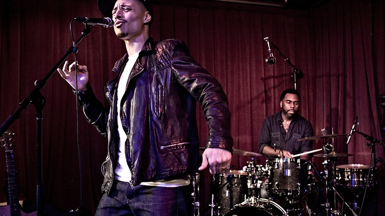 Modern jazzman/soulful singer Jose James enchanted a live audience at KCRW's Apogee Sessions, backed by an incredible group of musicians.