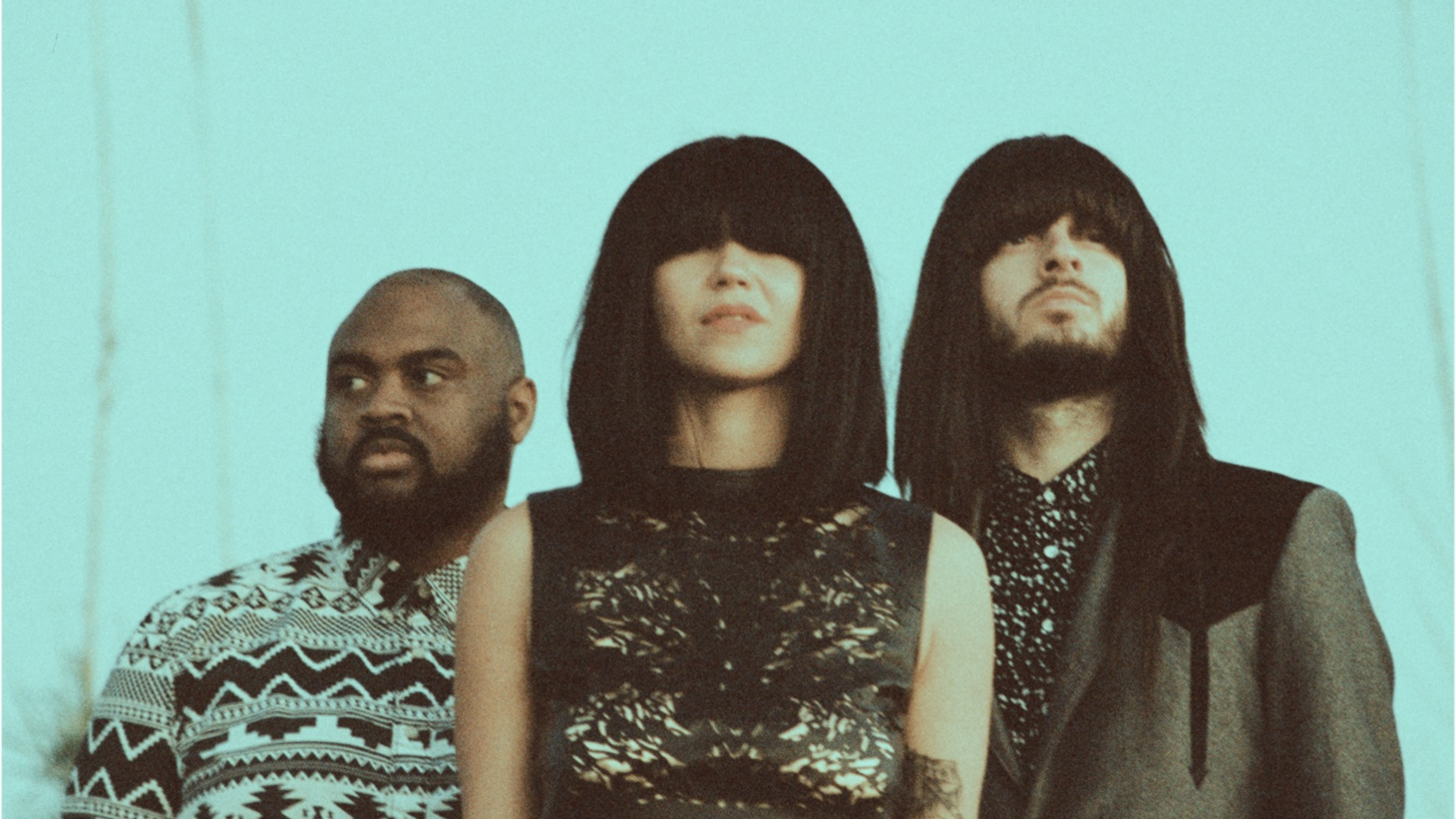 Khruangbin are a captivating trio who expands their Thai funk sound to include hints of the Middle East on their album Con Todo El Mundo.