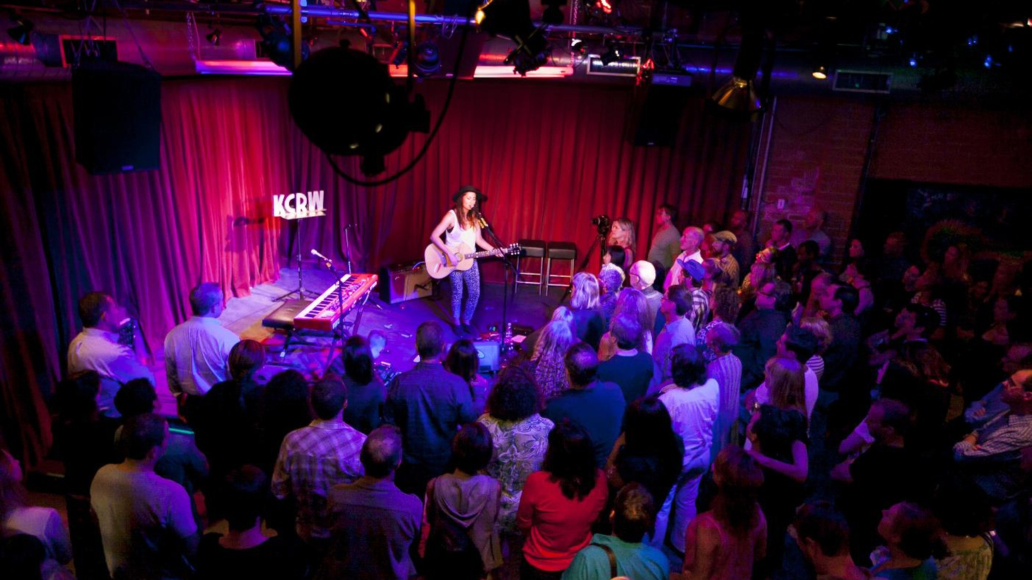 Guitarist and songwriter extraordinaire KT Tunstall delighted a small audience, performing a solo acoustic set of songs from her new album at KCRW's Apogee Sessions.